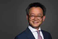 Dr. Clifford Tjiok : Beisitzer